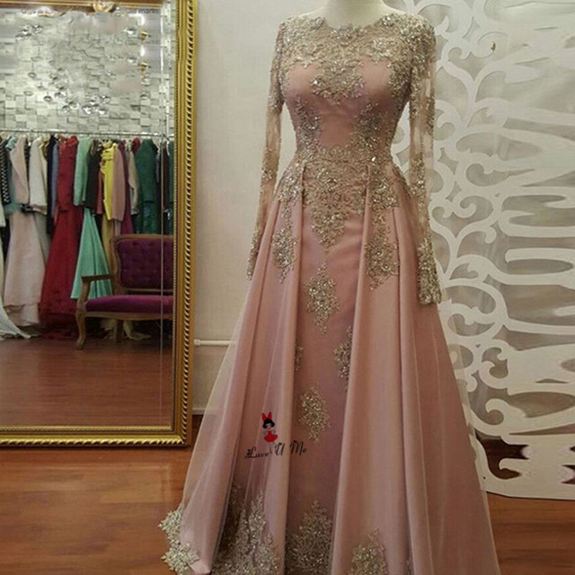Abendkleider Long Sleeve Muslim Evening Dress Gold Lace Prom Dresses Bead  Applique Floor Length Formal Party 4381153b1f6d