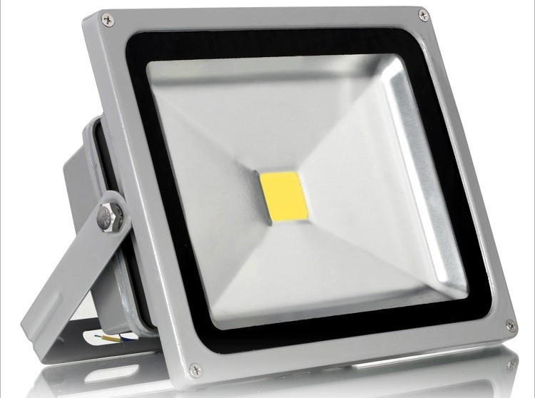 ФОТО 1PCS ultrathin LED flood light 10W 20W 30W 50W 100W AC85-265V waterproof IP65 Floodlight Spotlight Outdoor Lighting cool/warm