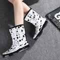 Rain Boots Female Sweet Star Rainboots Female Fashion Waterproof Shoes Students Girl Slip-Resistant Women's Plus Velvet Socks