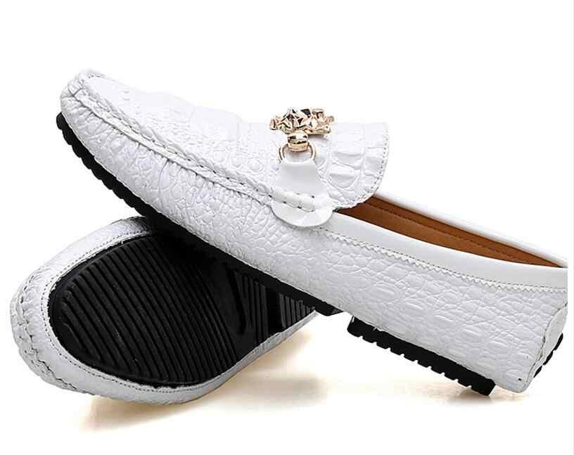 Мужские на сезон осень-весна; лоферы; повседневная обувь Большие размеры 38–46 обувь на низком каблуке, черный, белый цвет Классические мужские лоферы Удобные прогулочная обувь