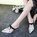 2017 Весна Лето Женщин на Высоких каблуках Сандалии Новый Мода Корейский стиль Указал носком Белого, Черного и Красного цветов