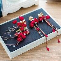 A noiva China vermelho Coreano rosa vermelha flores hairpin Brincos duas peças terno vestido de casamento ornamentos