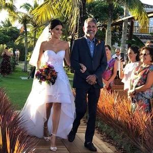 Image 2 - 2020 Modest Beach Wedding Dresses Sweetheart Appliques High Low Country Wedding Dress Bridal Gown Robe Mariage Vestido de Novia