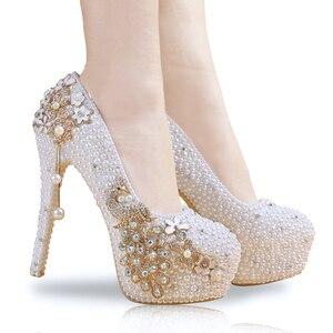 Image 4 - 花嫁の靴女性のかかと真珠カスタム手紙色アップリケクリスタル孔雀タッセルエレガントな結婚式はラインストーン