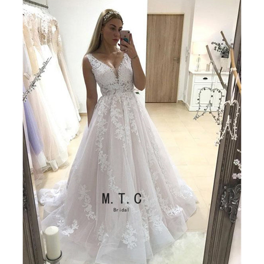 Graceful White Lace V Neck   Evening     Dress   2019 Custom Made A Line Floor Length Tulle Long Prom Gowns Robe De Soiree Cheap