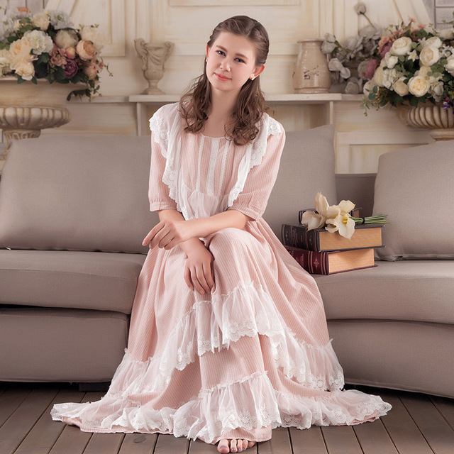 2017 New Fashion Women Sleepwear  Lace Cotton Nightdress Lady Nightgown Women Sweet  Princess Night Wear Vintage Dress