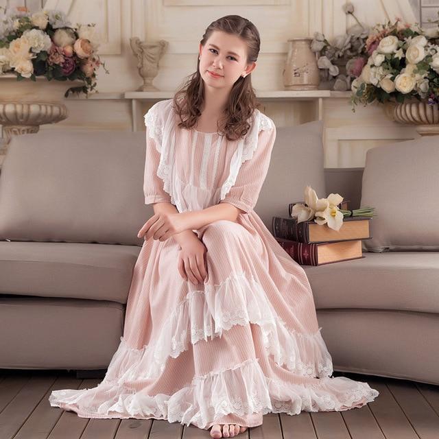new style 7d786 1a8e5 US $60.99 |2017 neue Mode Frauen Nachtwäsche Spitze Baumwolle Nachthemd  Dame Nachthemd Frauen Süße Prinzessin Nacht Tragen Vintage Kleid in 2017  neue ...