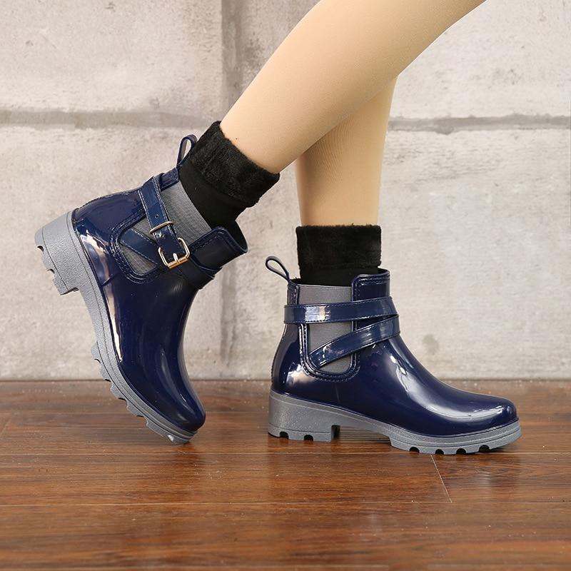 ФОТО  2017 Platform Rain Boots Ladies Rubber Ankle Boots Low Heels Women Boots Slip On Flats Shoes Woman Plus Size 35-41