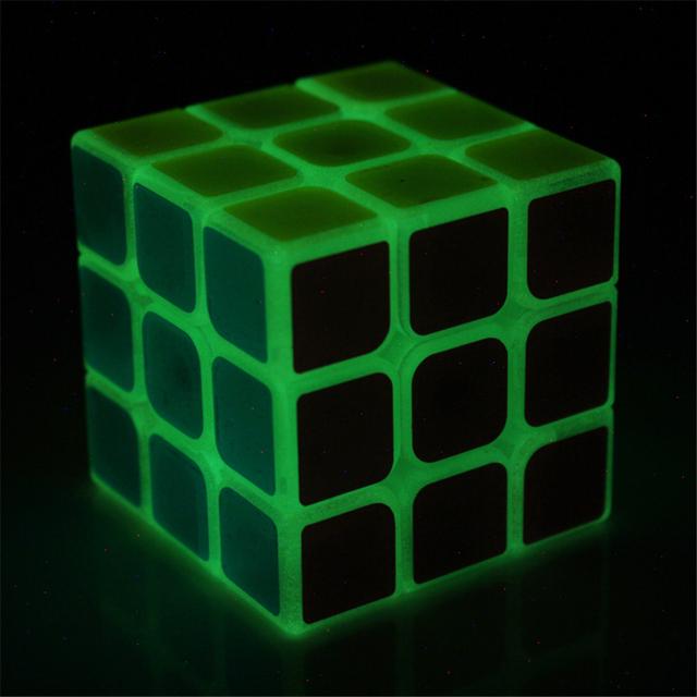 Piscando cubo 3x3x3 mini magic cube girador mão aprendizagem brinquedos brilhantes anti stress neokub neo cubos puzzles 3x3x3 70k409 magicos
