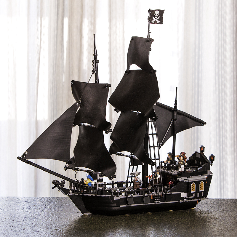 Lepin 16006 16009 the Black Pearl 804pcs Queen Anne's Revenge Ship Pirates of the Caribbean Legoings 4195 Model Building Blocks dhl lepin 16006 pirates of the caribbean the black pearl ship 16009 queen anne s revenge pirate ship building blocks set