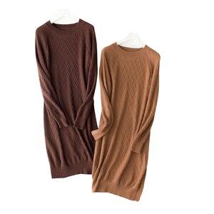 Image 2 - 100% カシミヤハイエンド女性カジュアルロングセータードレス女性の秋の冬黒長袖ルーズニットセータードレス