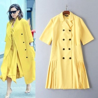 2016 Victoria beckham autumn and winter with the suit collar half sleeve under the pleated yellow windbreaker trench