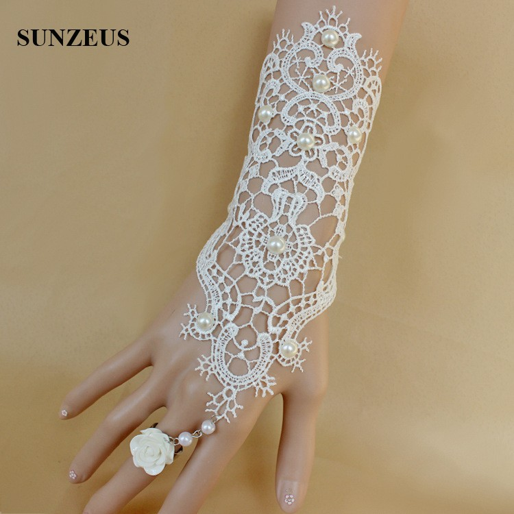Fingerless Short Bridal Gloves Lace Beaded Wedding Gloves With Pearls Vintage Ivory Women Gloves Ring BV-038