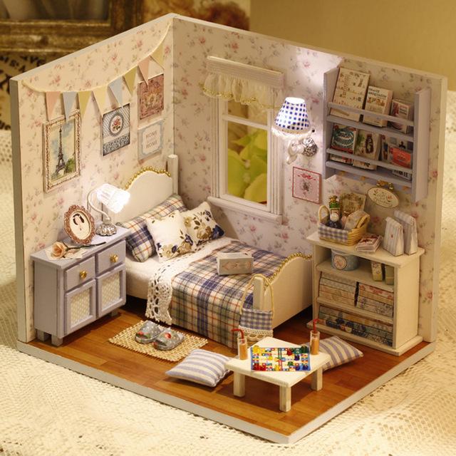 H003 DIY miniatura de madeira casa de bonecas Em Miniatura quarto contém móveis tampa protetora contra poeira