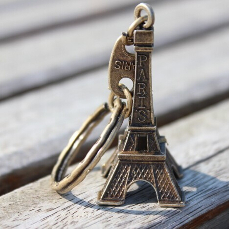 Retro Mini Decoration Torre Eiffel Tower Keychain Paris Tour Eiffel Key Chain Key Holder Key Ring Women Bag Charm Pendant Gift