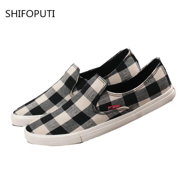 8543e512b5e Baixo Top sapatos de Lona homens Casual Xadrez Sapatos tenis masculino  adulto Sapatos Flats Homens Moda