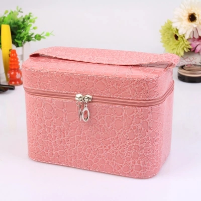 Hot 2017 Alligator Cosmetic Cases Cute Flower Lady Makeup Bag Women Box PU Leather Make up Suitcase Crocodile Tote Large X699 62 l large food and beverage car trunk bag refrigerator insulation families waterproof valiz hot lunch bag takeout box suitcase
