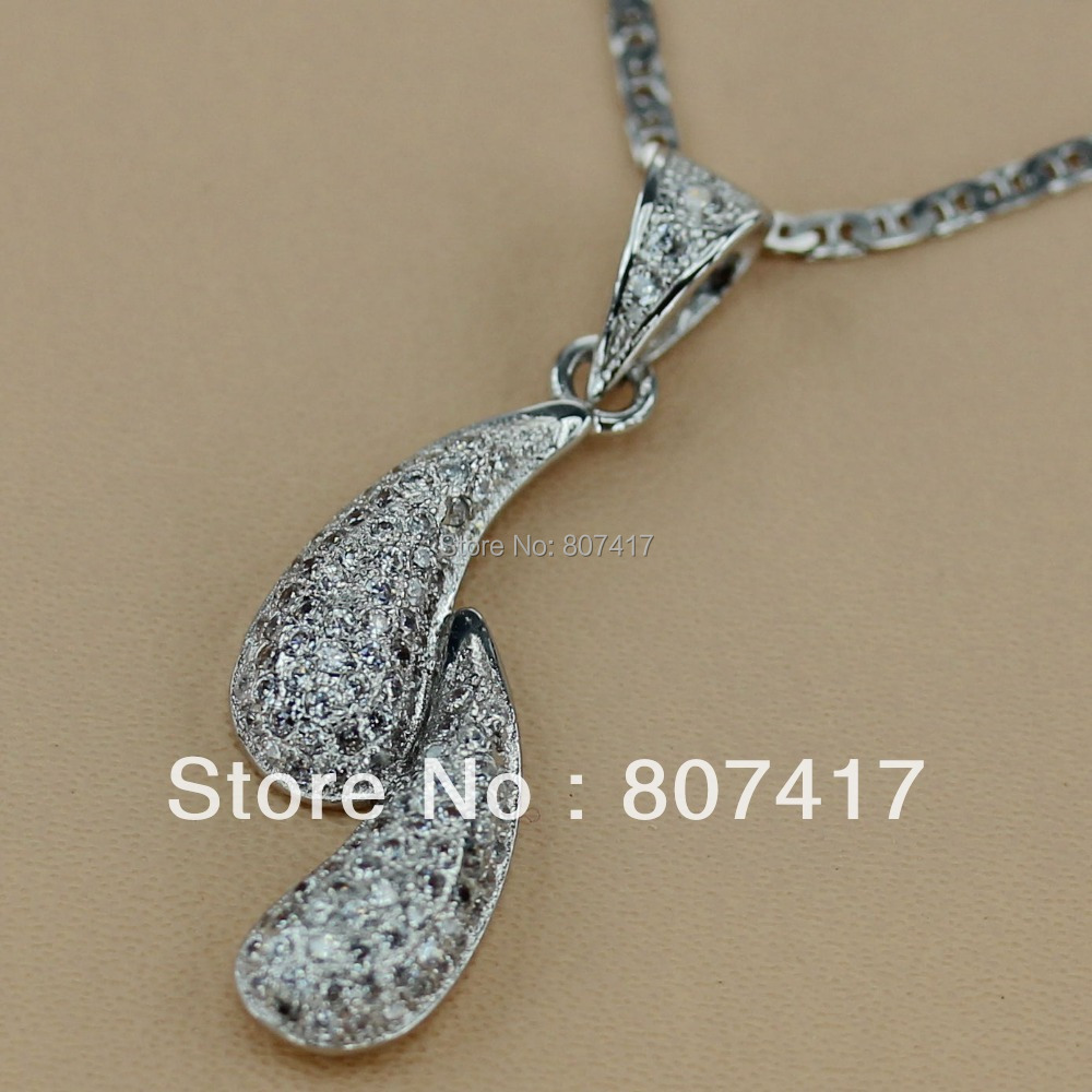 SHUNXUNZE Panic buying White Cubic Zirconia Micro inlays jewelry Silver Plated Pendants R3131 Romantic Style Women Jewelry Gift