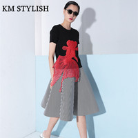 2018 Spring European Style New Embroidered Red Goldfish Knitted Short Sleeved T Shirt Black White S