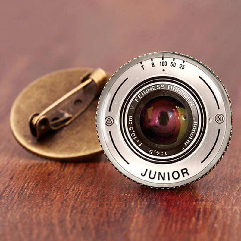 SUTEYI Fashion Vintage Mistery Camera Lens With Words European Retro  Pendant Brooches pins Jewelry For Girl Women badge