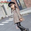 Estilo coreano de los Bebés Ropa Del O-cuello Patrón de Rayas de Cuello del A-Line Mini Plisado Vestido Muchachas de Los Cabritos 2 Colores Traje 3-7 Años de Edad niño