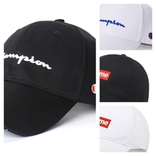 Famosa marca hombres gorras de béisbol bordado Snapback gancho trébol  clásico Unisex Golf deporte al aire 0f74338ab59