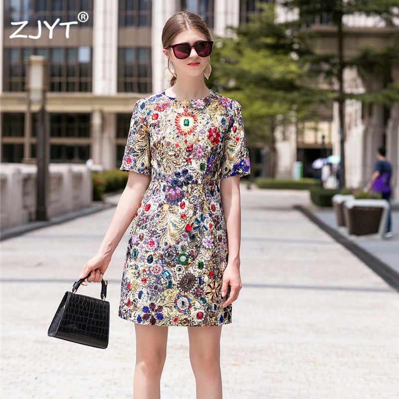2019 nouvelle robe de piste d'été femmes de haute qualité Designer à manches courtes Baroque impression luxe diamants Vintage robe robes de fête
