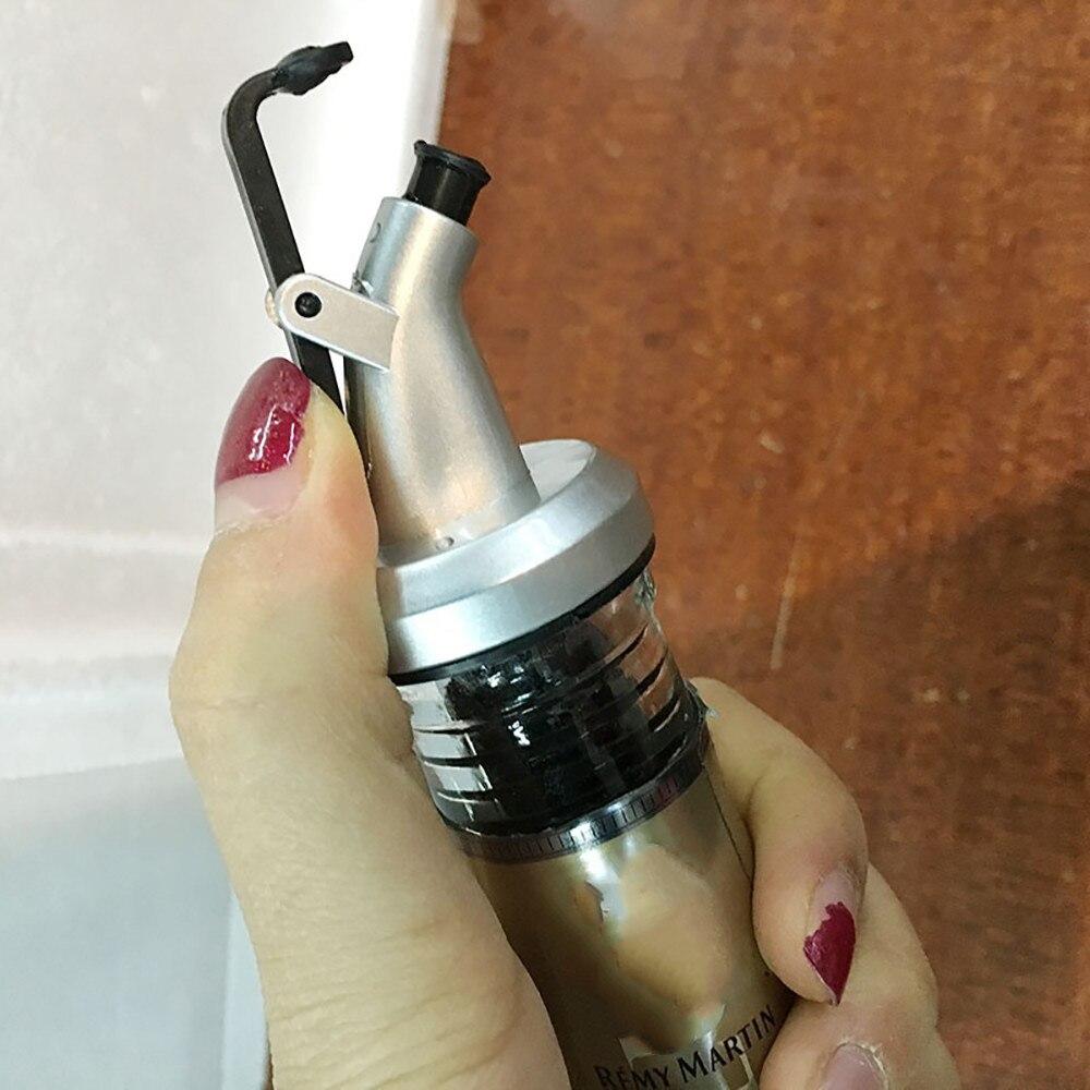 Olive Oil Sprayer Liquor Pourer Dispenser Flow Wine Bottle Pour Spout Pourers Flip Top Stopper Barware Silicon Utensils Kitchen 4