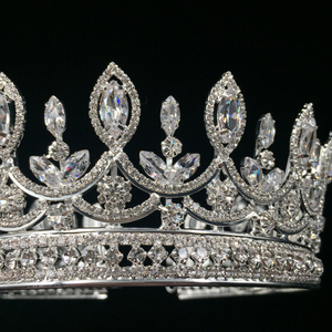 Image 3 - Hadiyana New Bride Retro Crown Copper CZ Bright Rhinestone Wedding Accessories Princess Hair A Big Full Crowns Tiaras BC3684