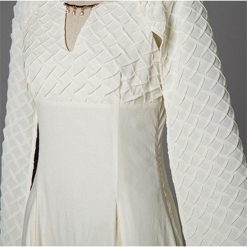 Game of Thrones 5 Daenerys Targaryen Qarth Costumi Cosplay Vestito Bianco  Lungo Vestito Delle Donne Del Partito di Halloween Abito di Sfera Sexy Abiti  in ... b7e2cfe64a4