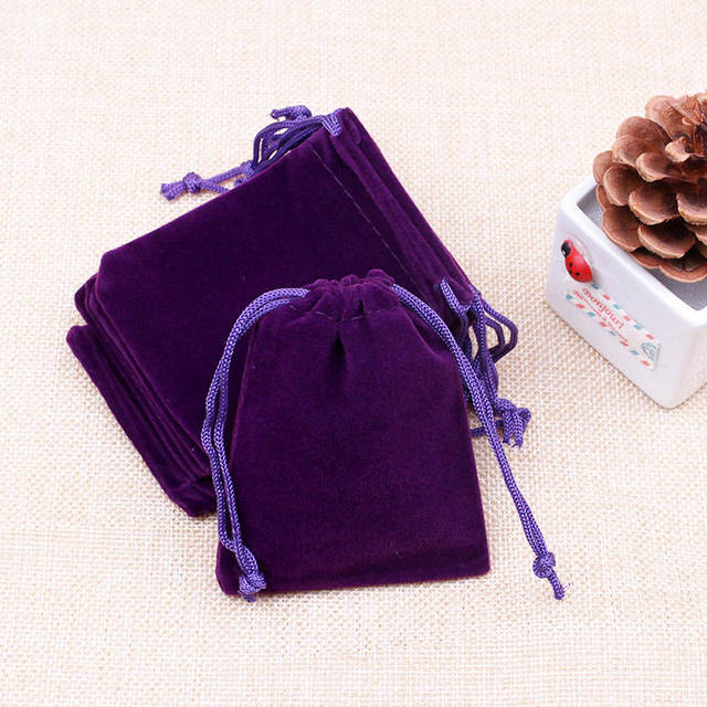 50pcs Lot Dark Purple Color Velvet Bags 7x9cm Pouches Jewelry Coin Ng Candy