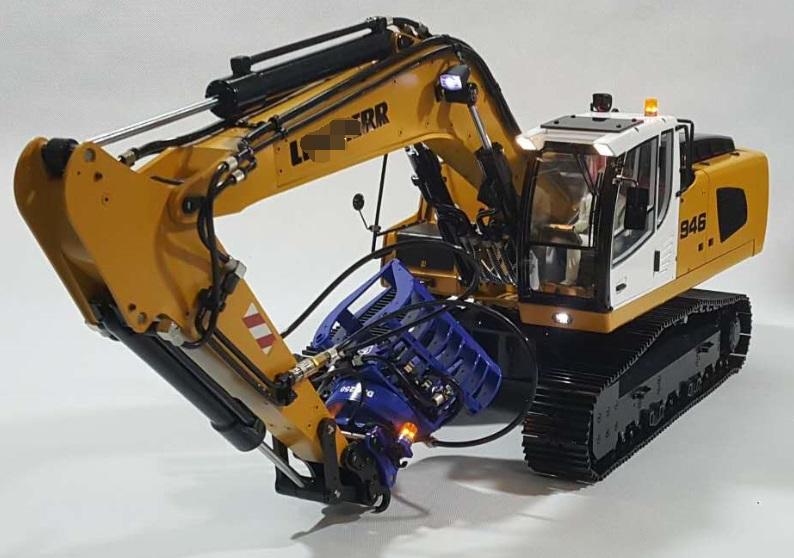 1/14 RC Metal Hydraulic Excavator 946 - 14
