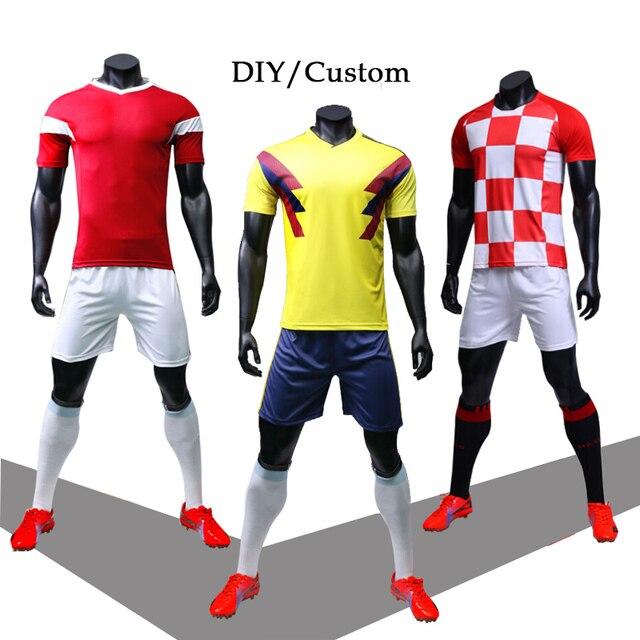 f6b8e70f99f 2018 DIY Sportswear Adult Kids Football Set Custom Soccer Jerseys Soccer  Training Youth Kits Blank Football Team Uniforms