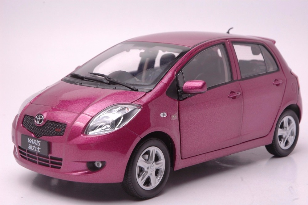 цена на 1:18 Diecast Model for Toyota Yaris 2008 Purple Alloy Toy Car Miniature Collection Gifts