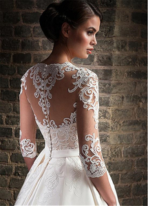 Image 2 - Кружевное атласное свадебное платье с аппликацией, белое привлекательное бальное платье с V образным вырезом, пуговицами сзади и полурукавами, 2020