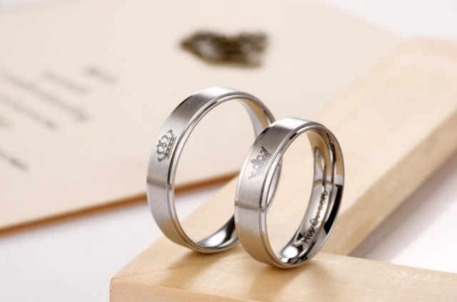 King and Queen Stainless Steel Ring – His and Hers Couple Wedding Band Set Anniversary Engagement Promise Ring
