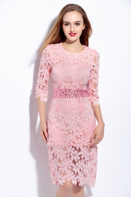 Vestido crochet rosa elegante