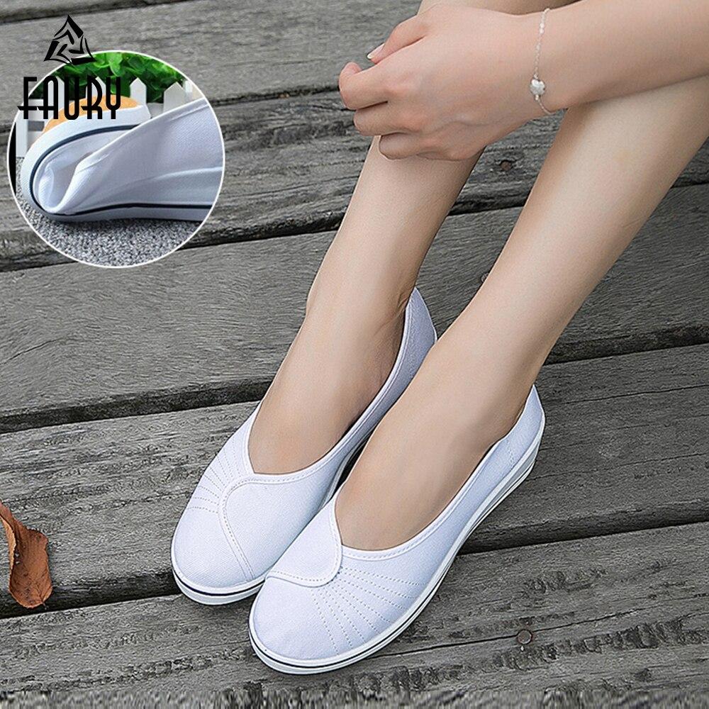 New Women Students Nurse Flat Sandals Comfortable Soft Pumps Beach Hole Shoes