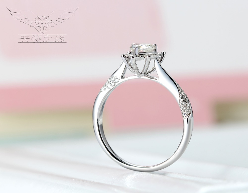 14K White Gold /5.5mm Heart Diamond/Moissanite Diamond Ring For Sale