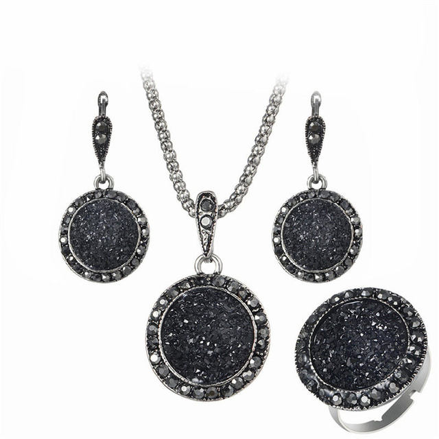 GS Crystal Jewelry Set...