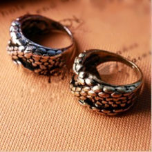 Wholesales!2019 Fashion retro European and American popular retro big snake embossed three-dimensional ring ring Free Shipping!(China)