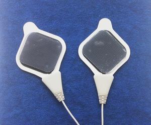 Image 5 - 20 قطعة 4*4 سنتيمتر استبدال موصل هلام ورقة لانخفاض التردد اومرون HV F310 F311/F320 جهاز تدليك HV PAD