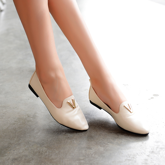 0cb634ca4e32 Designer Loafers Women Shoes 2014 Vintage Flat Shoes For Women Zapatos PU  Leather Casual Loafers 3 Colors Size 35-39 LIY087