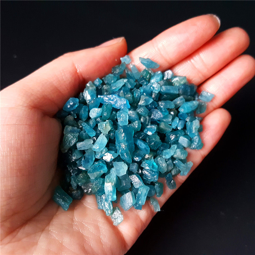 100 г Натуральный Синий Апатит, маленький необработанный камень с лечебным действием, образцы из Китая