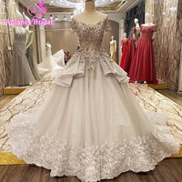2017 Real Image Gray Ball Gown Wedding Dresses Scoop Lace Appliques 3D Flowers Beaded Princess Vintage Wedding Bridal Gowns