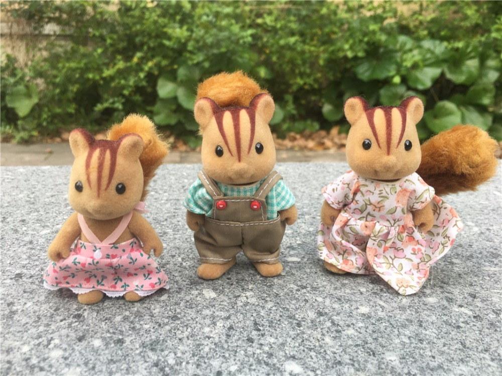 TT03-- Original Sylvanian Families Squirrel Family 3pcs Set Girl Toy Figures Dolls New Loose tt03 sylvanian families mouse family 4pcs parents