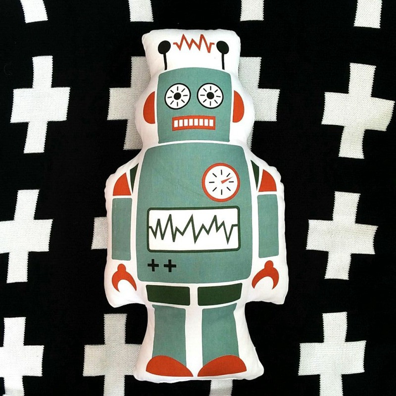 robot-pillow-3