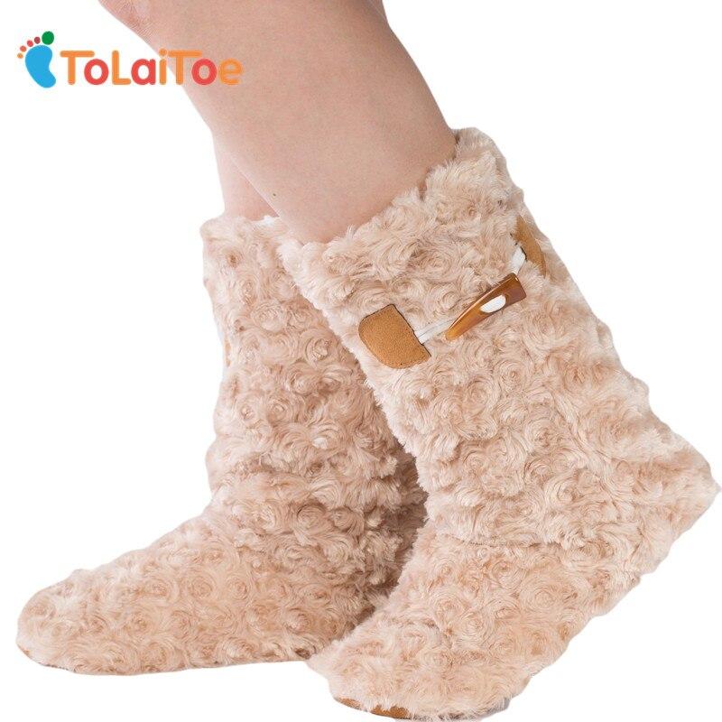 ToLaiToe La mejor calidad de tejer calienta los zapatos caseros Piso Suela blanda botas largas Super Nubuck de punto zapatos de casa de interior 3D calcetines largos