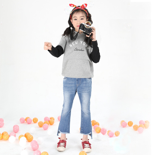 2018 Spring Girls Jeans Simple Girls Pants Creative Feet Big Kids Pants  Casual Kids Clothes Children s Denim Trousers TZ01 d776d180d0a0