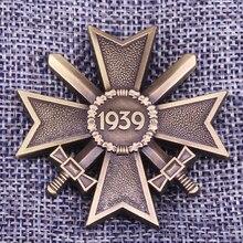 Cruz alemana esmalte pin 1939 broche con espada retro bronce placa de metal WW II Deutschland joyería hombres abrigo camisa accesorio
